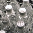 Flaskevannprodusenten Voss er i klammeri med mattilsynet, mens homøopater ufortrødent selger vann så det suser. Hvor er logikken?