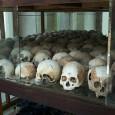 Det ubehagelige faktum er at samtlige norske regjeringer gjennom hele 1980-tallet og frem til 1993, støttet at slakterne i Røde Khmer skulle representere folket de hadde massakrert 25 prosent av.