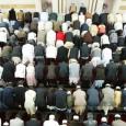 Frankrike har som første land i Europa forbudt bønn på åpen gate.