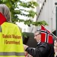 Rent prinsipielt burde alle ha rett til å få lov til å forsvare sin egen kultur - ikke bare de som kommer til Norge og ønsker å opprettholde sin egen kultur og religion og innrette seg omtrent som de gjorde i hjemlandet de flyktet fra - men også de (etter hvert få) som bodde her fra før av.