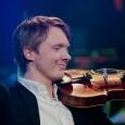 Gratulerer med en overbevisende og fantastisk seier i Eurovisjonens talentkonkurranse Young Musicians  i Wien, Eivind Holtsmark Ringstad !   Det er første gang en nordmann går helt til topps i Den Europeiske Krinkastingsunionens solistkonkurranse for klassiske musikktalenter opp til 19 år. En fabelaktig prestasjon!