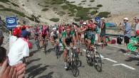 Tour de France er årets heftigste idrettsbegivenhet, med fart, folkefest og dramatikk, uventede seire, med gleder og skuffelser, - og fantastiske prestasjoner. I år har Chris Froome imponert stort på to av klatreetappene, men siden Sky er skadeskutt, er det på ingen måte sikkert at han vil være den endelige vinneren i Paris. Dessverre svever skyggene etter tidligere dopingskandaler fremdeles over sporten, slik at vinnerne nesten automatisk blir mistenkt. I år rammer denne mistanken Chris Froome hardest, selv om det ikke finnes noen dokumenterte fakta som underbygger mistanken. Det er synd. Er sykkelentusiastene begynt å bevege seg fra den ene grøften til den andre, fra å lukke øynene for dopere til å tro at ALLE vinnere er dopet?